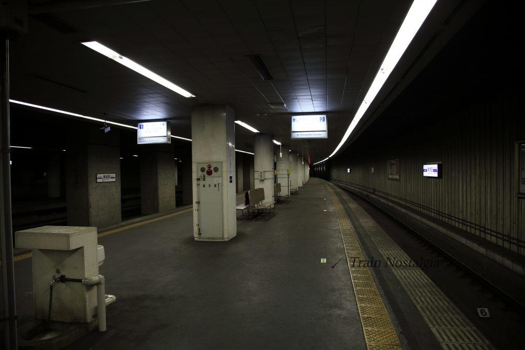 東成田駅ホーム2