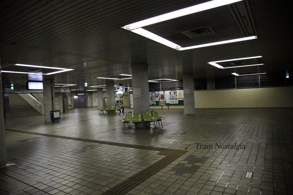 東成田駅コンコース