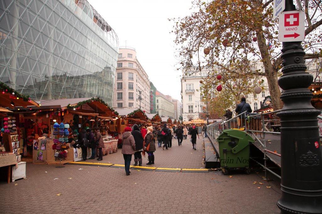ブダペストヴェレシュマルティ広場