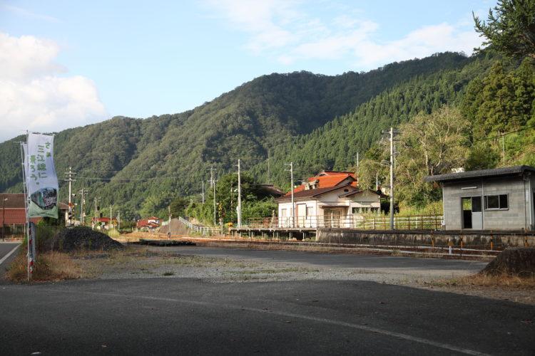 浜原駅と三江線の旗