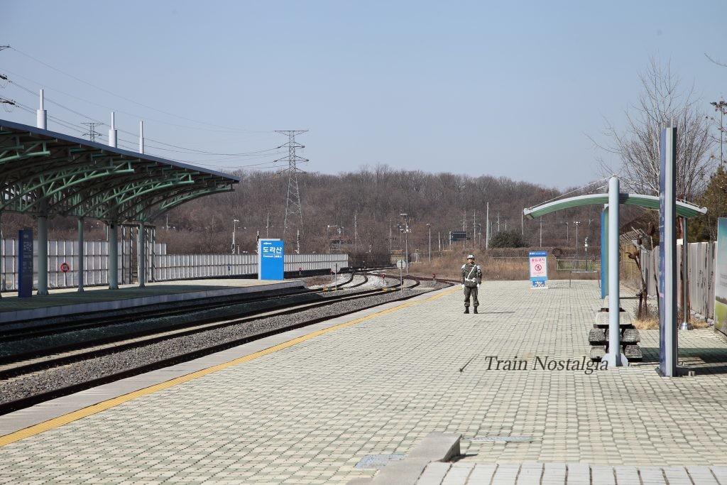 京義線都羅山駅北方向