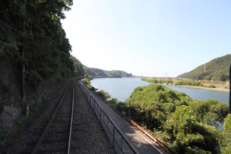 三江線前面からの江の川