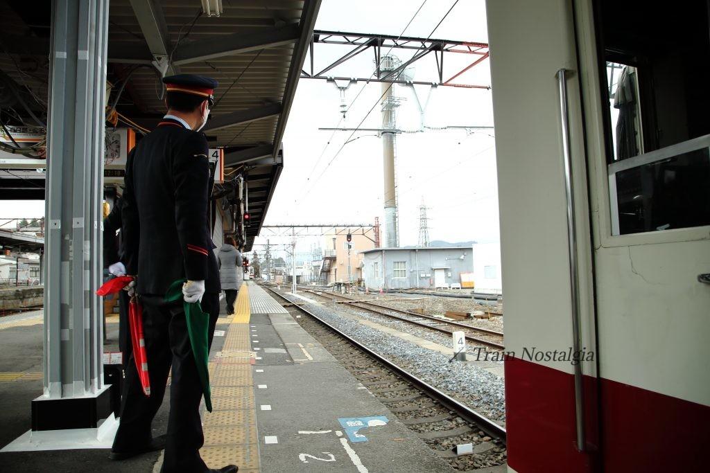 東武鉄道下今市駅6050系併結前