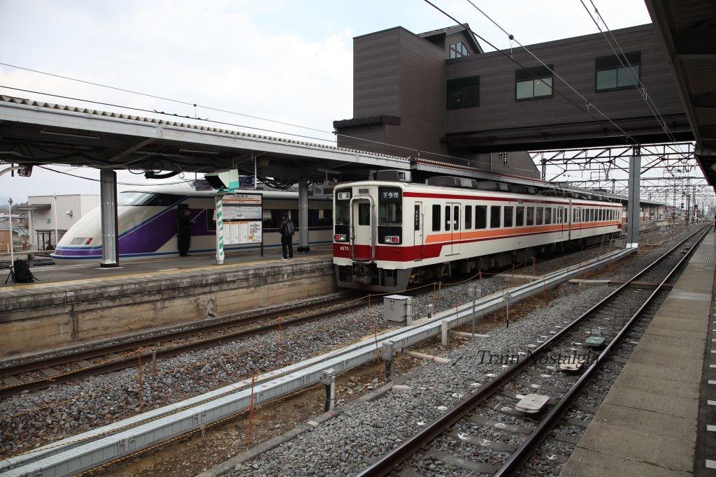 東武鉄道下今市駅浅草方面ホーム