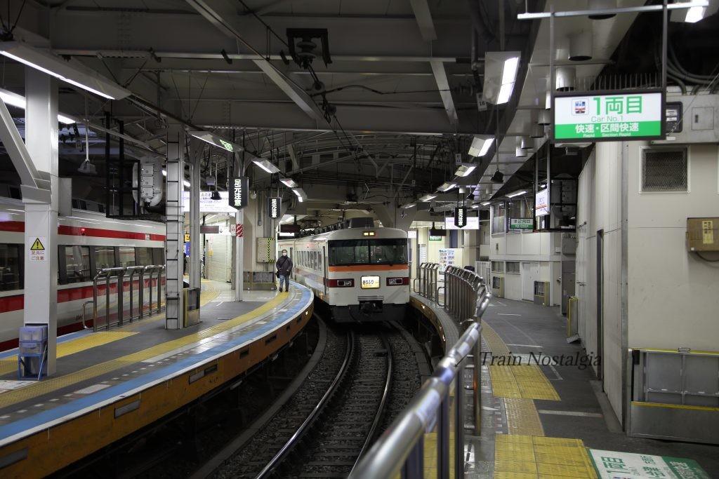 東武鉄道浅草駅特急きりふり