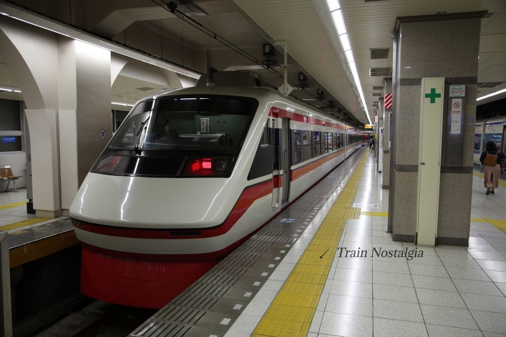 東武鉄道浅草駅特急りょうもう
