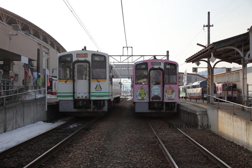 会津鉄道会津田島駅2・3番線列車