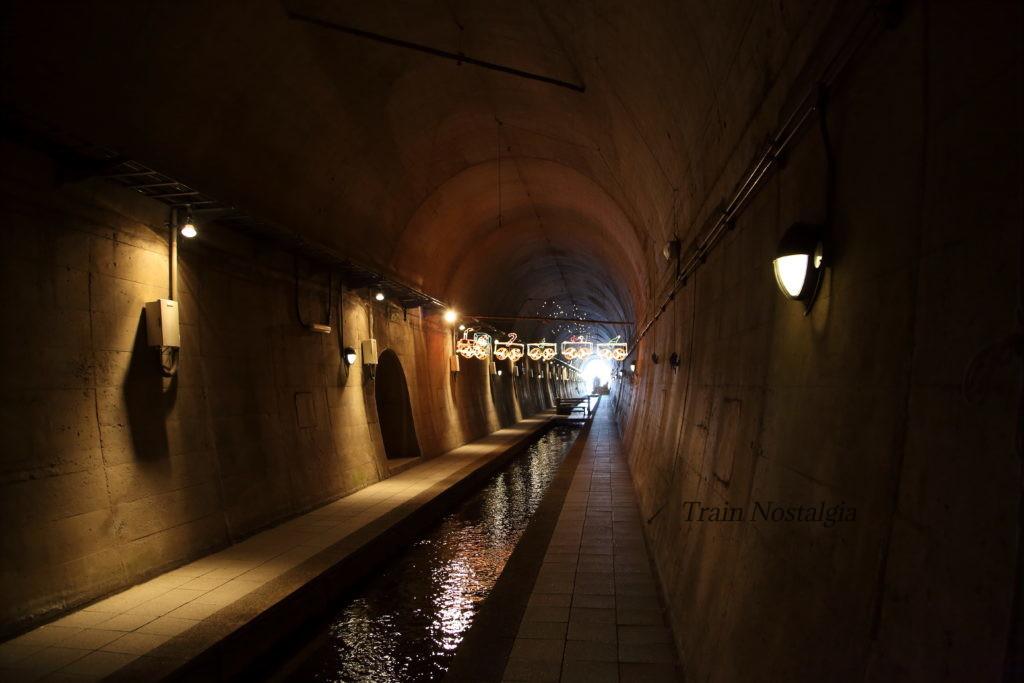 高森湧水トンネル入り口付近