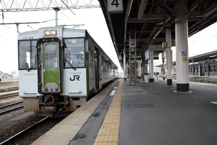石巻線小牛田駅ホーム