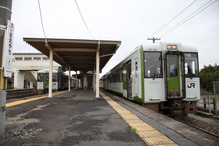 前谷地駅ホーム乗り継ぎ
