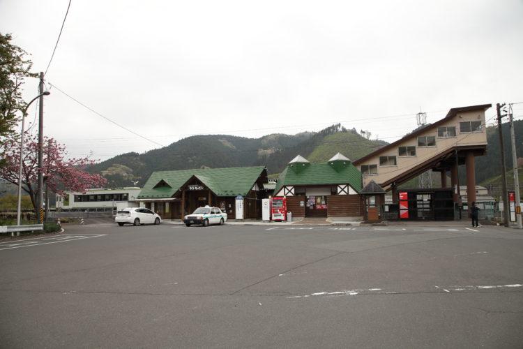 柳津駅駅舎