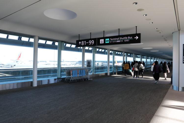 成田国際空港第2旅客ターミナルサテライト通路