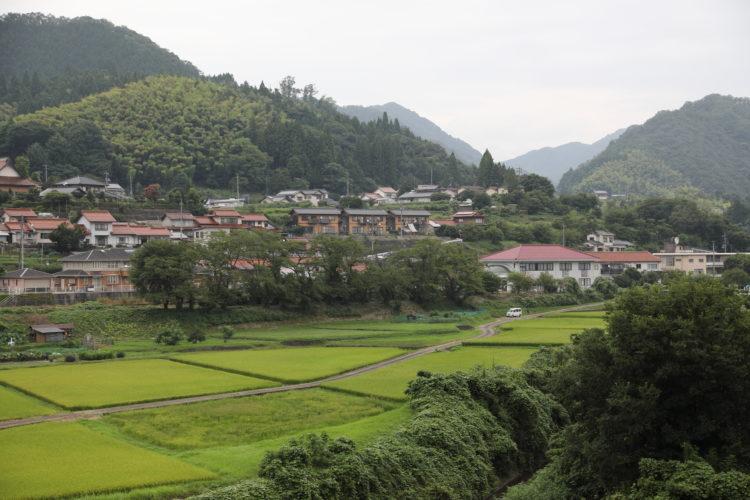 美里町と三江線粕淵駅