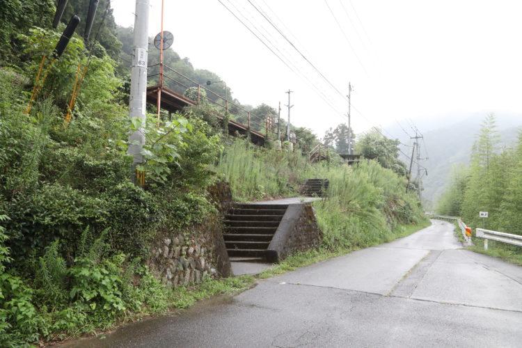 三江線長谷駅駅階段