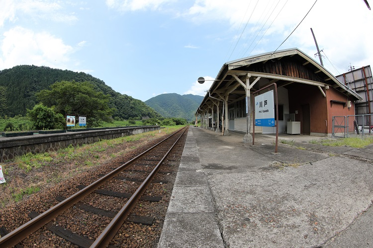 三江線川戸駅ホーム