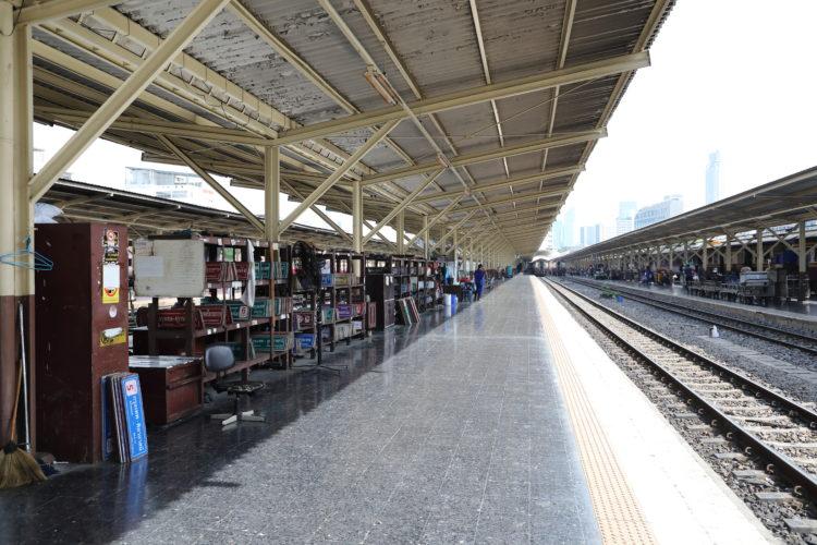 タイ国鉄バンコク駅サボ置き場