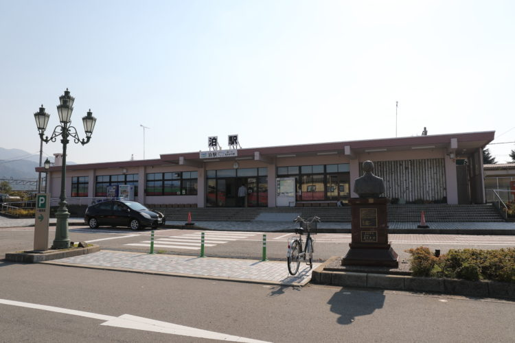 あいの風とやま鉄道泊駅駅舎