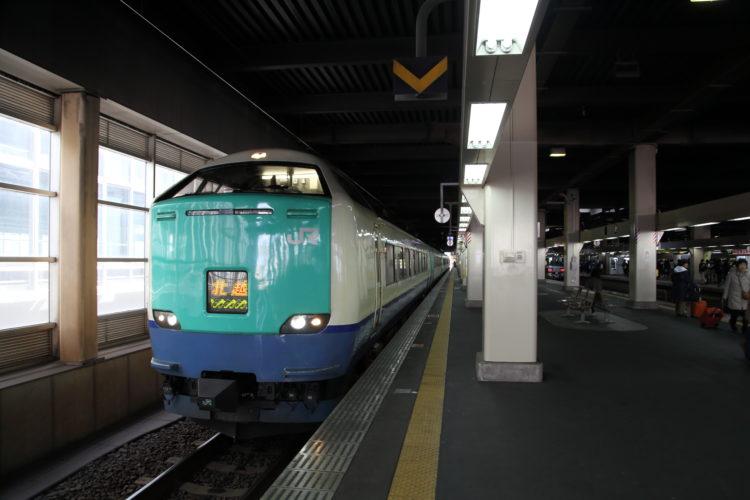 金沢駅特急北越