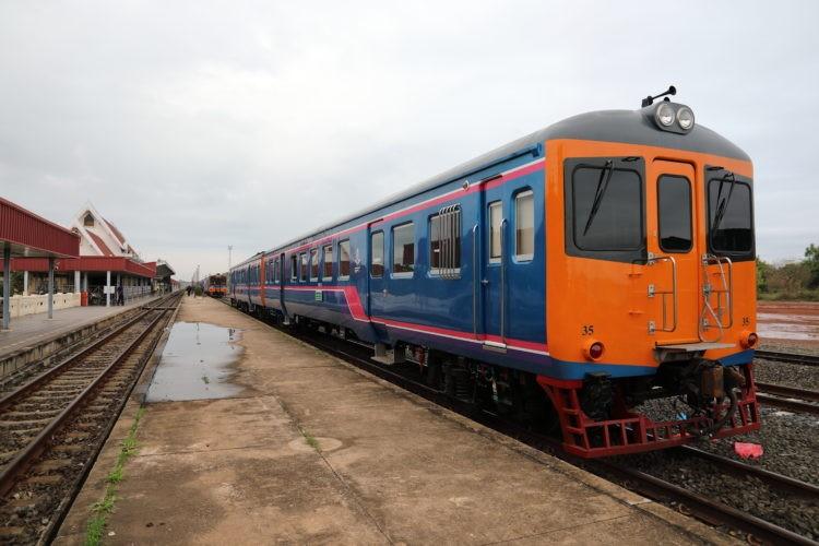 タイ国鉄ノーンカーイ駅ラオス行き列車