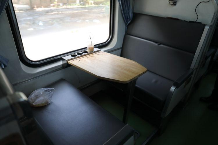 タイ国鉄2等寝台客車寝台座席状態