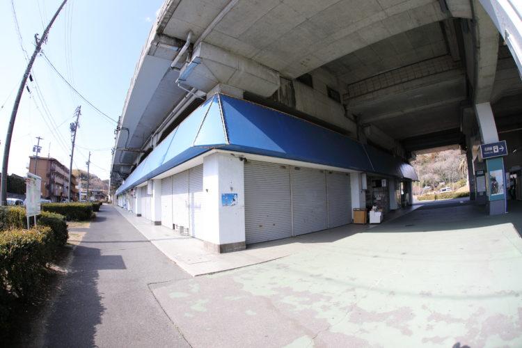 名鉄知多新線内海駅駅前通り