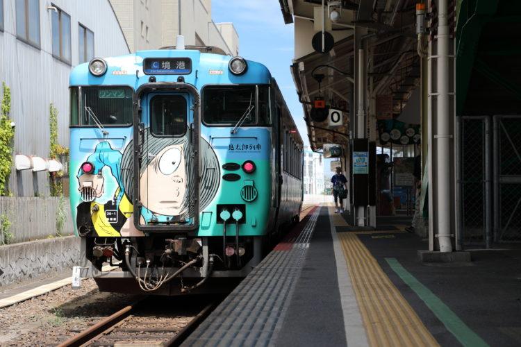 境線米子駅0番ホームと鬼太郎列車