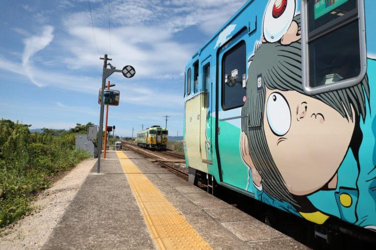 境線弓ヶ浜駅の列車交換