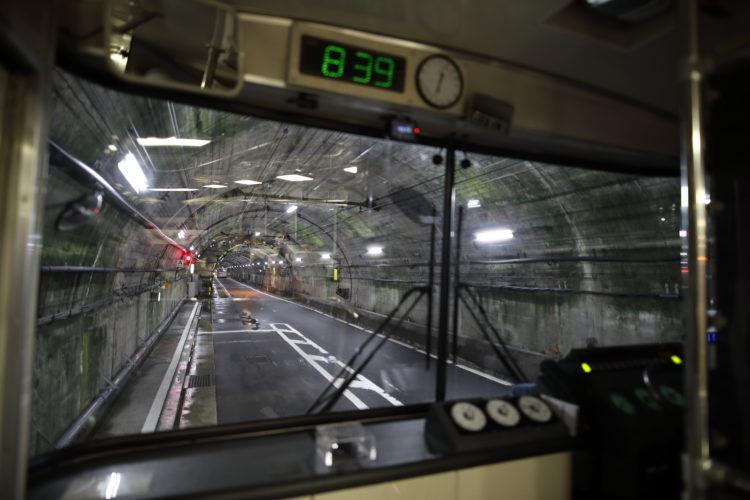 関電トンネルトロリーバス信号場停車中
