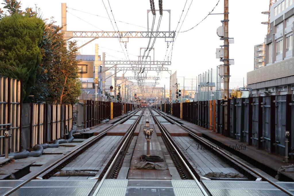 京急大師線東門前駅から産業道路駅の線路