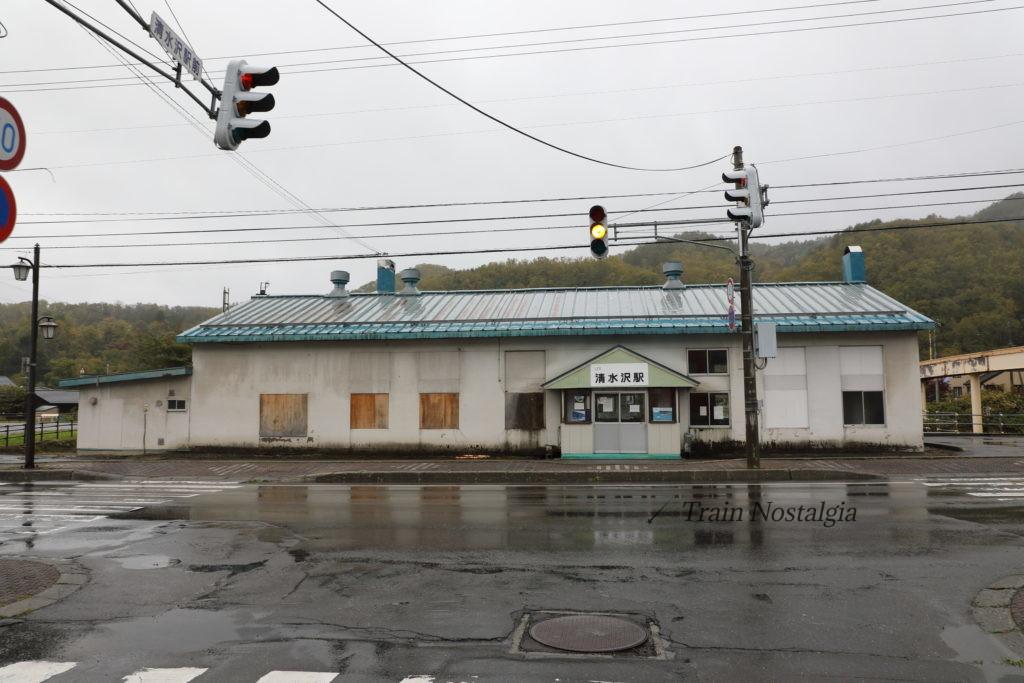 石勝線夕張支線清水沢駅駅舎
