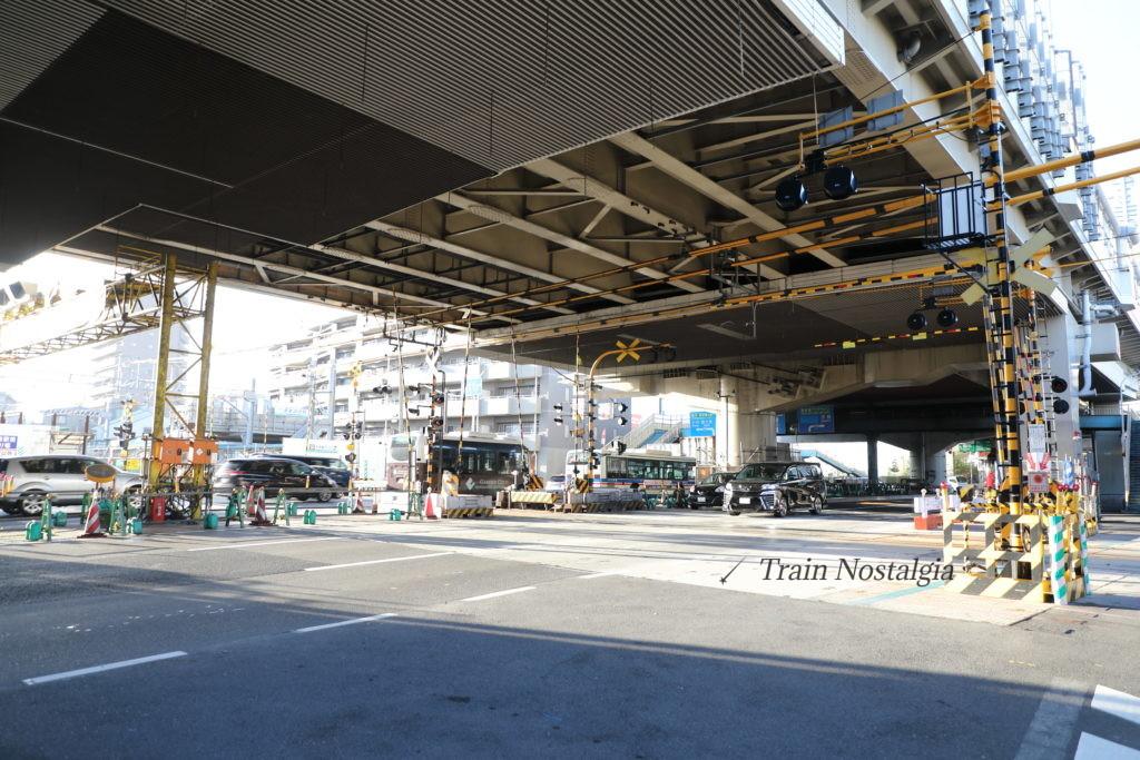 京急大師線と産業道路第一踏切