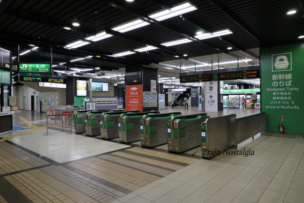 上越線越後湯沢駅改札口