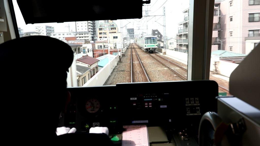 千代田線北綾瀬支線走行風景