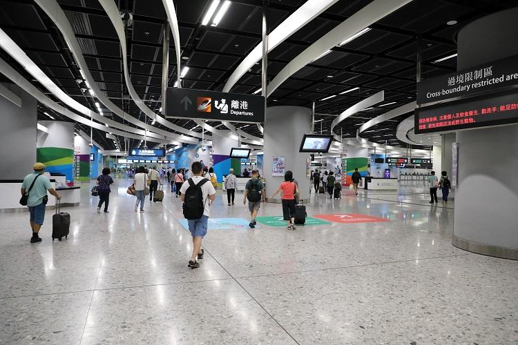 香港西九龍駅出国審査への道のり