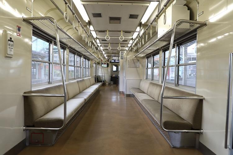 小野田線国鉄123系車内