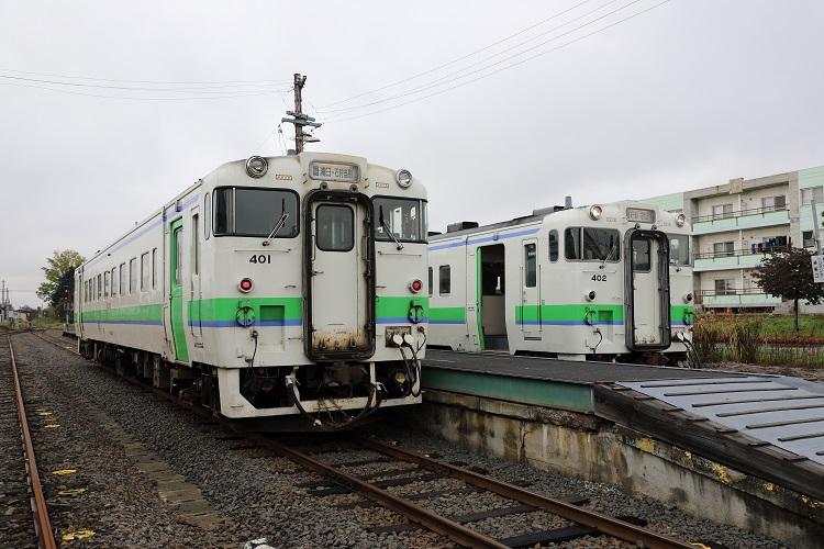 札沼線石狩月形駅列車交換