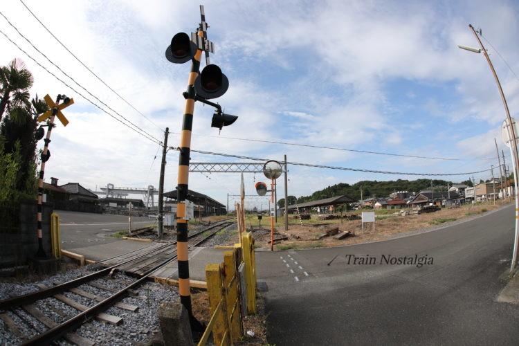 西濃鉄道美濃赤坂駅踏切