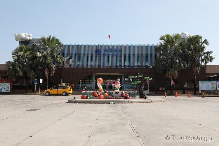 台鉄枋寮駅駅舎