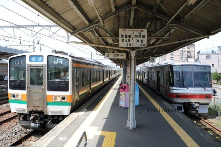 JRと名鉄弥富駅のホームと列車乗り換え