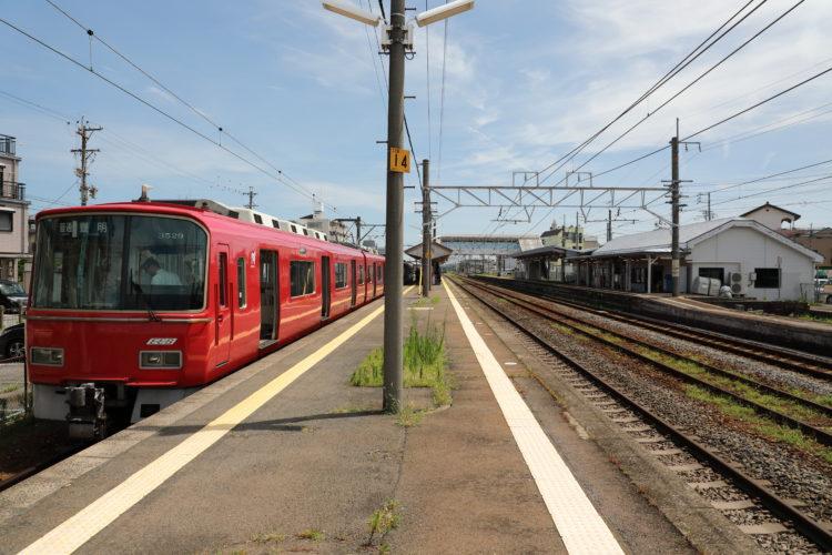 関西本線弥富駅名鉄とホーム