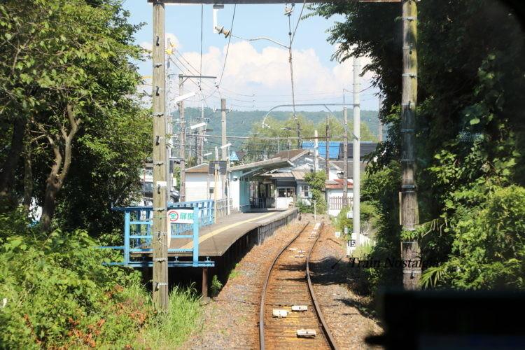 名鉄広見線御嶽駅到着前ホーム