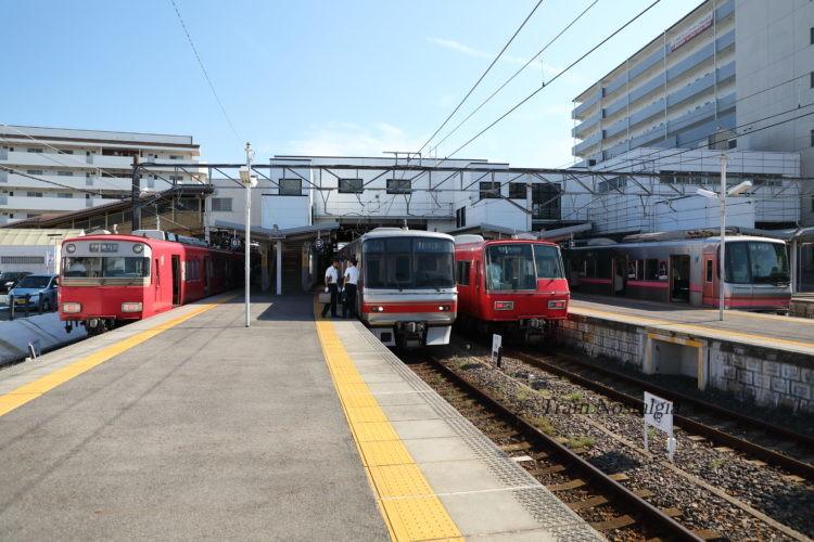 名鉄犬山駅列車とホーム