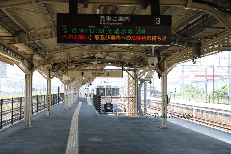 東海道本線大垣駅3番線入り口